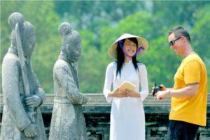Vietnam: idegenvezetés magyarul, helyi magyarul beszéló idegenvezetóinkkel